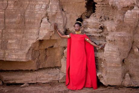 Fatoumata_diawara_press_shot_1588010838_resize_460x400