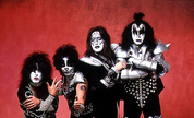 Kiss_large_1269282783_crop_178x108