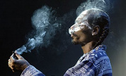 Snoop_dogg_smoking_1334156184_crop_178x108