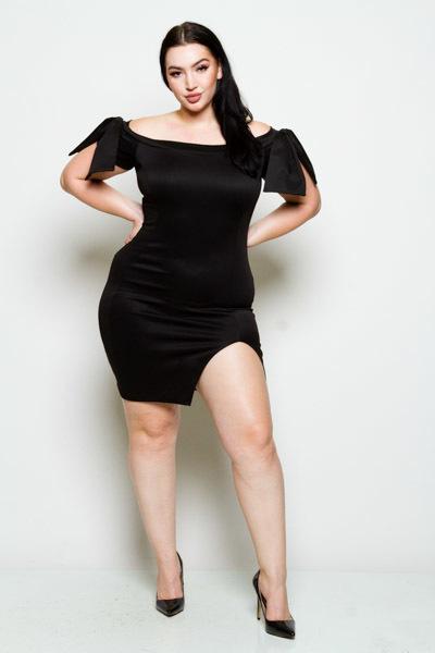Off the shoulder short sleeve w/ bow slit mini dress