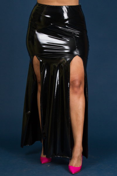 SLITS ON BOTH SIDES LONG FAUX LEATHER SKIRT
