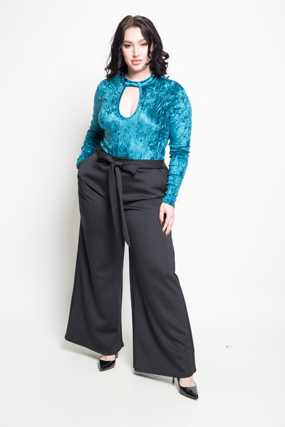 F LOWLY TIES AT WAISTSOLID PANTS