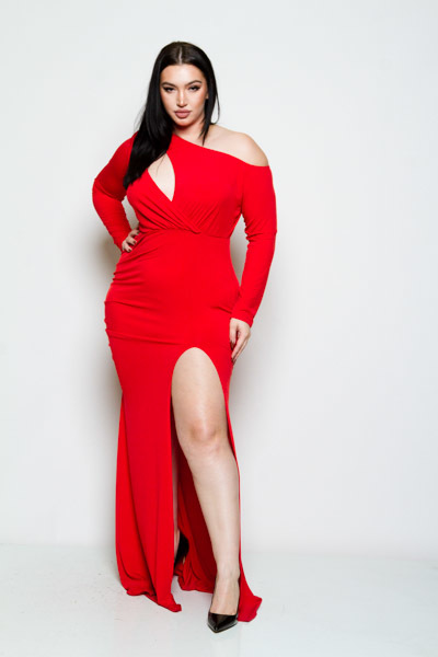 ONE COLD SHOULDER LONG SLEEVE  WITH A SLIT ON THE SIDE LONG SOLID RED DRESS