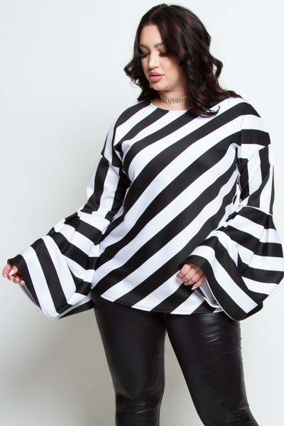 BLACK AND WHITE STRIPED LONG SLEEVES TOP