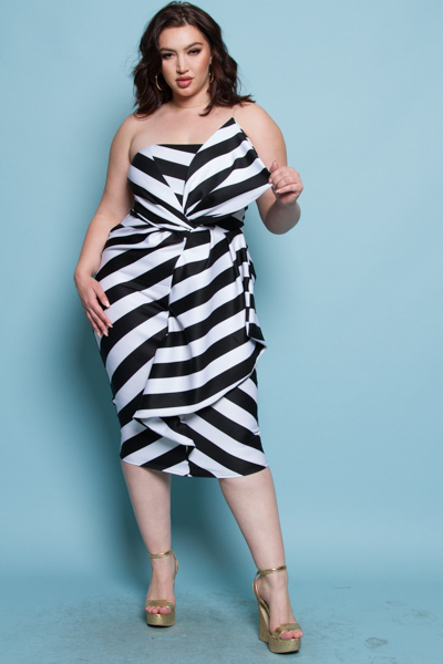 BLACK AND WHITE STRIPED FRONT SHAPE POINT TUBE MIDI DRESS
