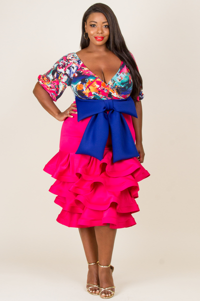 DEEP V-NECK PRINTED TOP WITH WAIST RIBBON POINT RUFFLED BOTTOM DRESS