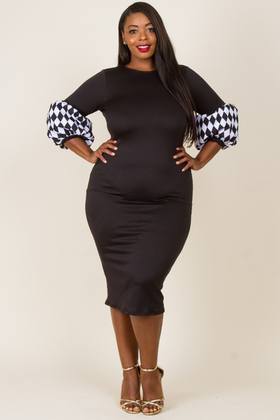 ROUND NECK BLACK AND WHITE DIAMONT PRINTED PUFFED SLEEVE FITTED DRESS