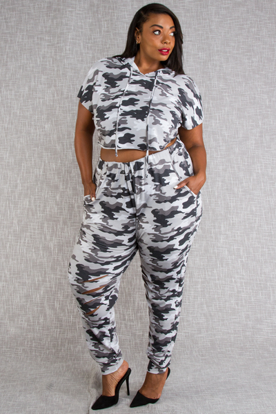 CAMO PRINTED HOODIE WITH MATCHING JOGGER PANTS SET