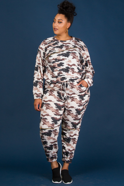 CASUAL STYLE CAMO PRINTED TOP AND PANTS SET