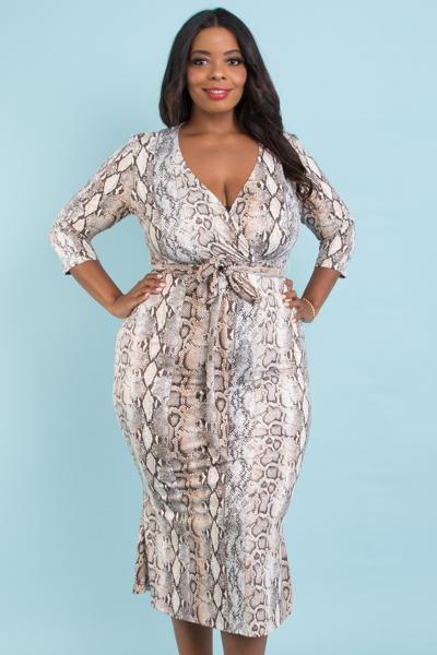 Overlap front 3/4 sleeve mermaid midi dress