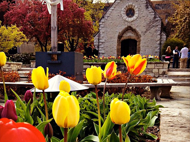 Marquette Chapel -- St Joan of Arc Flowers