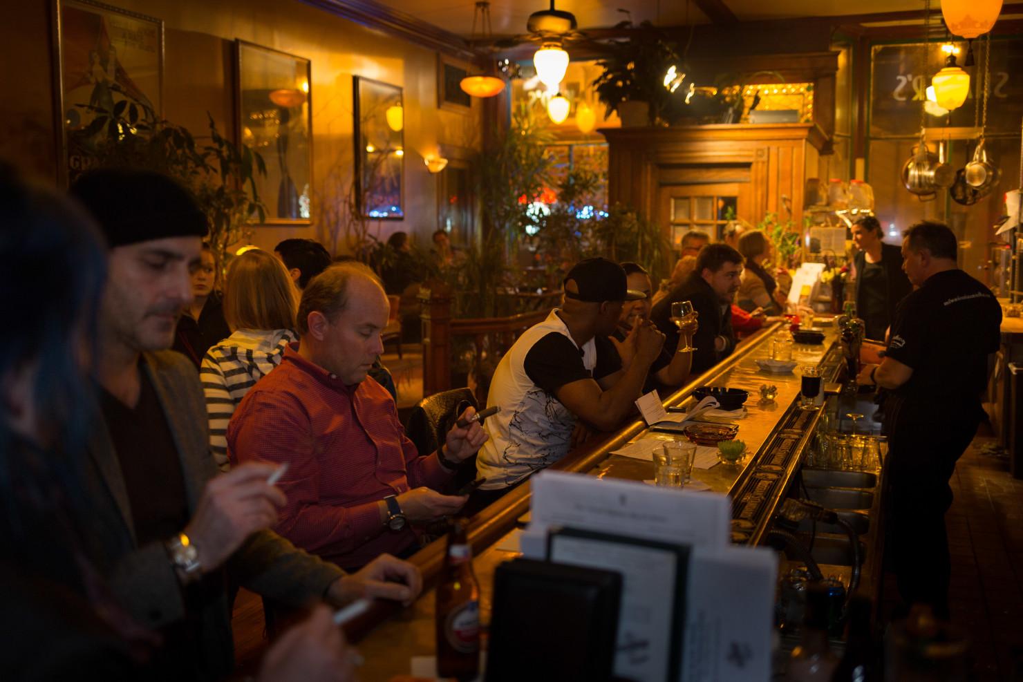 Shakers Cigar Bar Ghost Tour