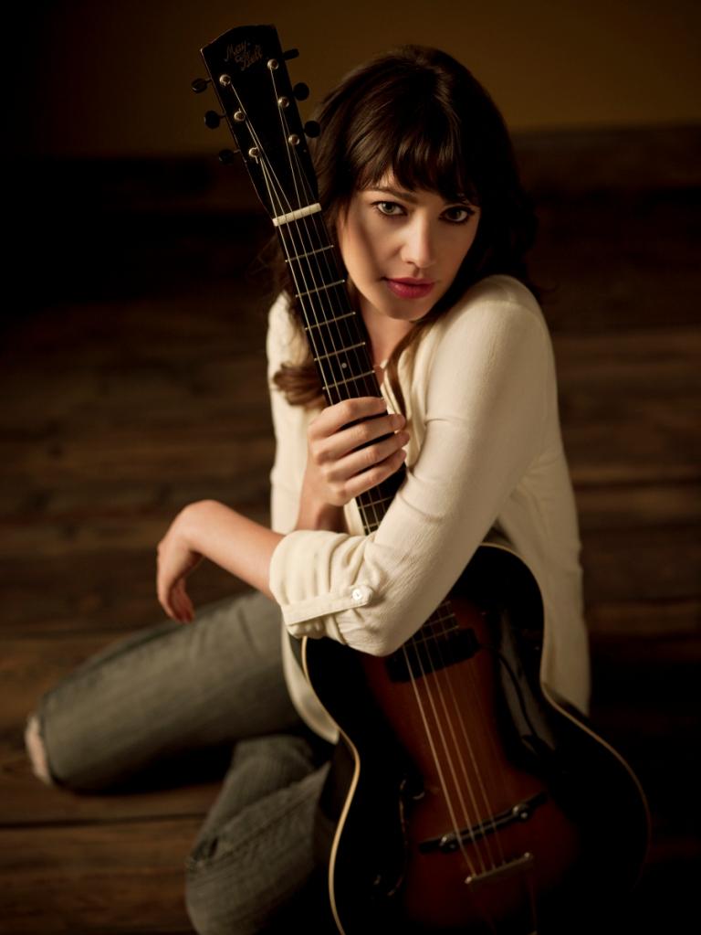 pieta brown guitar by kwaku alston small file
