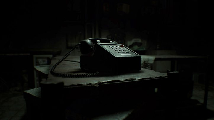 Resident EVIl biohazard - ANSWER THE PHONE!