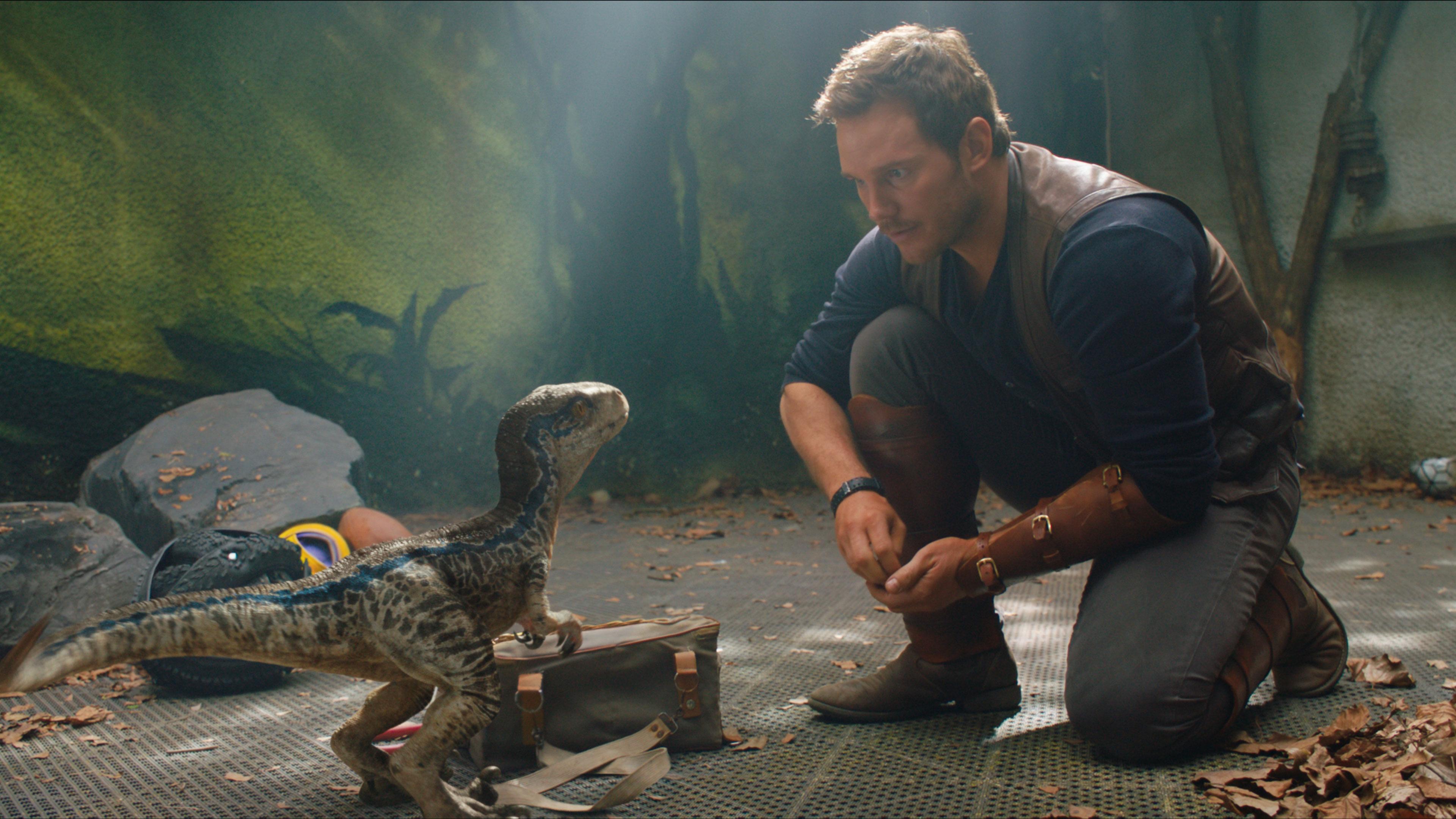Jurassic World: Fallen Kingdom - Raising Blue