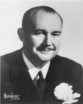 Paul Whiteman as Musical Director of &quot;The Radio Hall of Fame&quot;, 1945