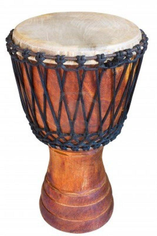 On sdétend en frappant des peaux de cuir tendues  ~ Instrument En Bois Africain