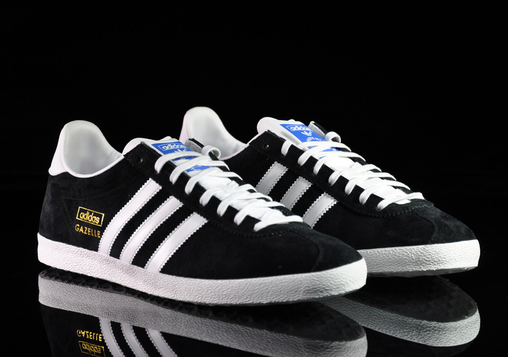Eminem adidas gazelle for Adidas originals unicenter