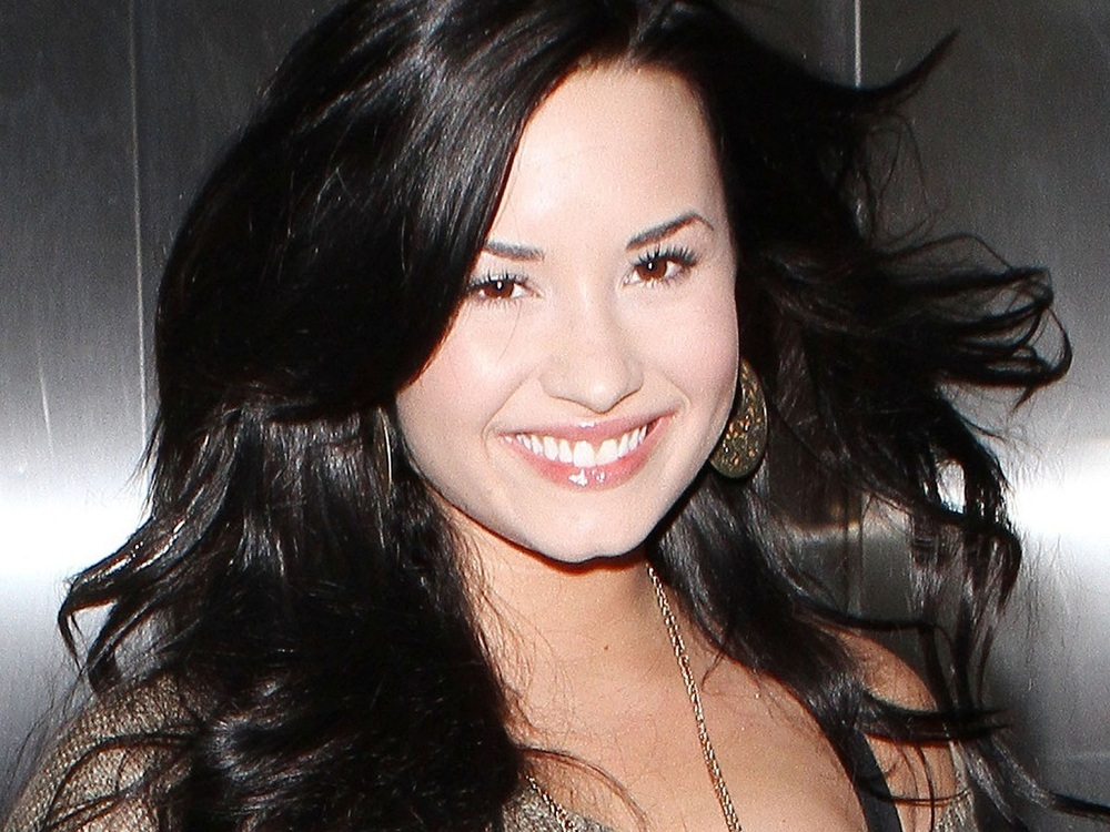 Demi Wallpaper Lovato 768 Genius