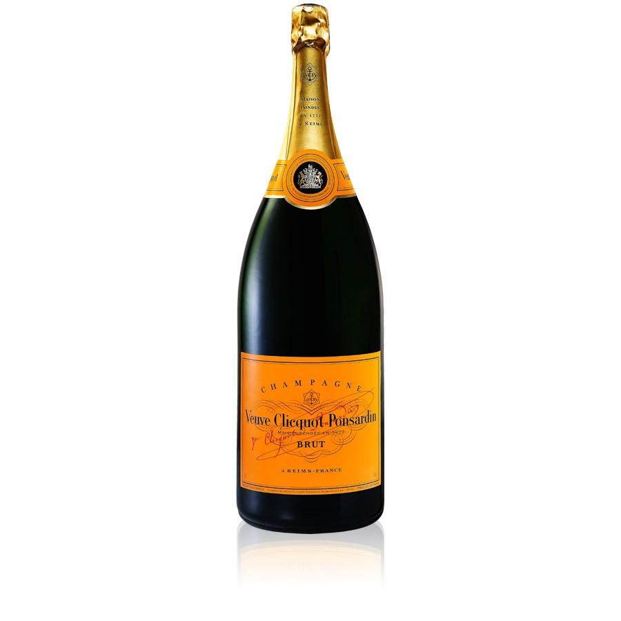 Kaviar, Champagner oder Schampus – Einmal Um Die Welt by Cro Kanye West Meaning