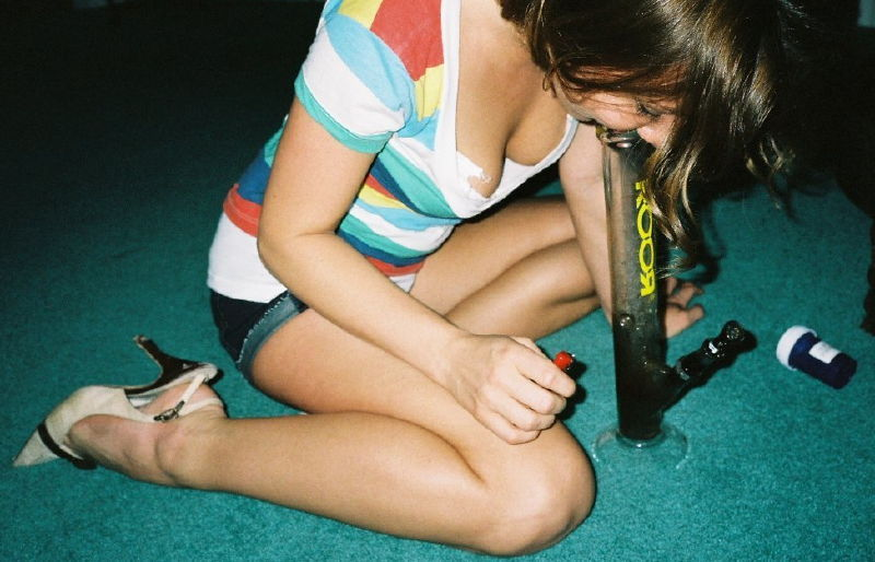 Girls Smoking Weed Bongs