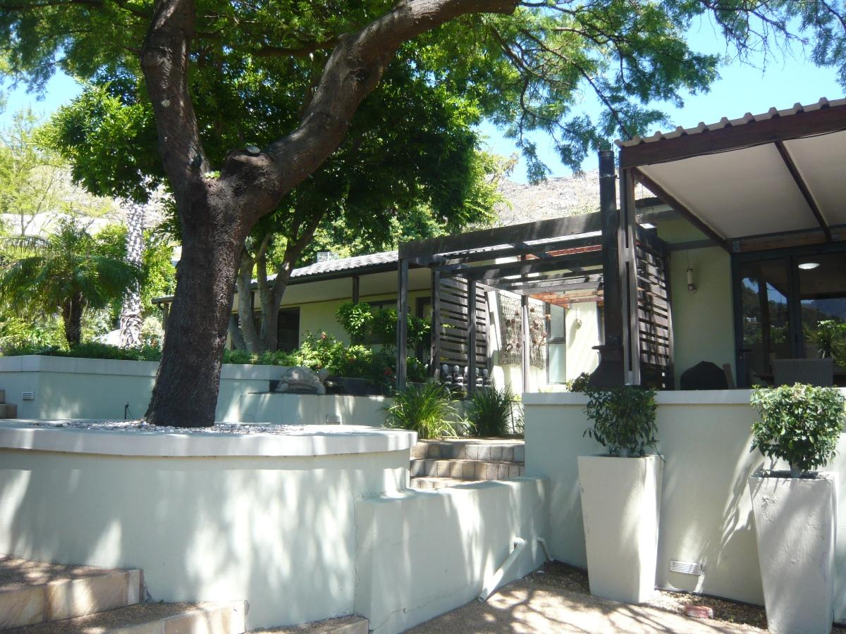 4 Bedroom house to rent in Hout Bay
