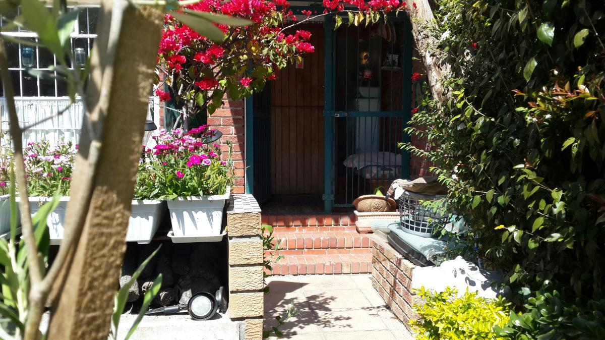 3 Bedroom townhouse - sectional for sale in Table View