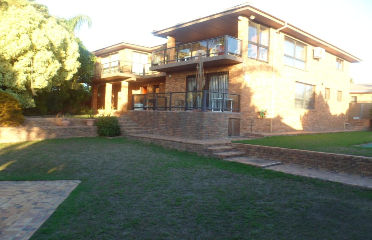 6 Bedroom house for sale in Rouxville