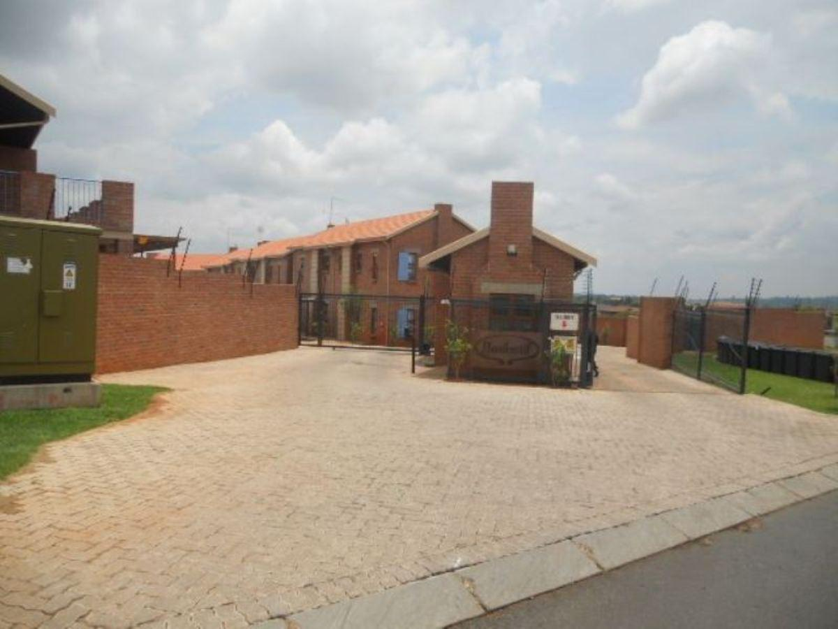 1 Bedroom apartment for sale in Ruimsig