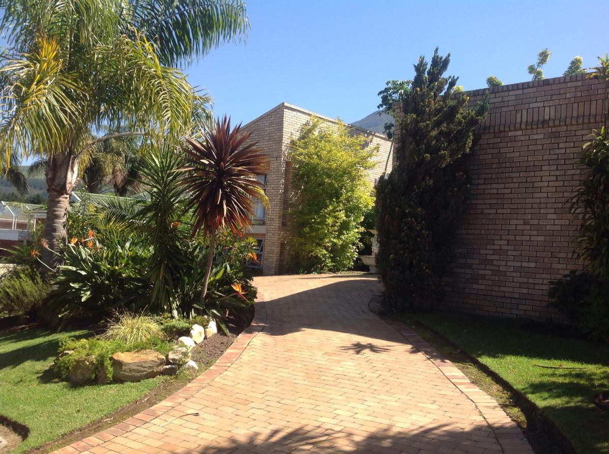 4 Bedroom house for sale in Camphersdrift