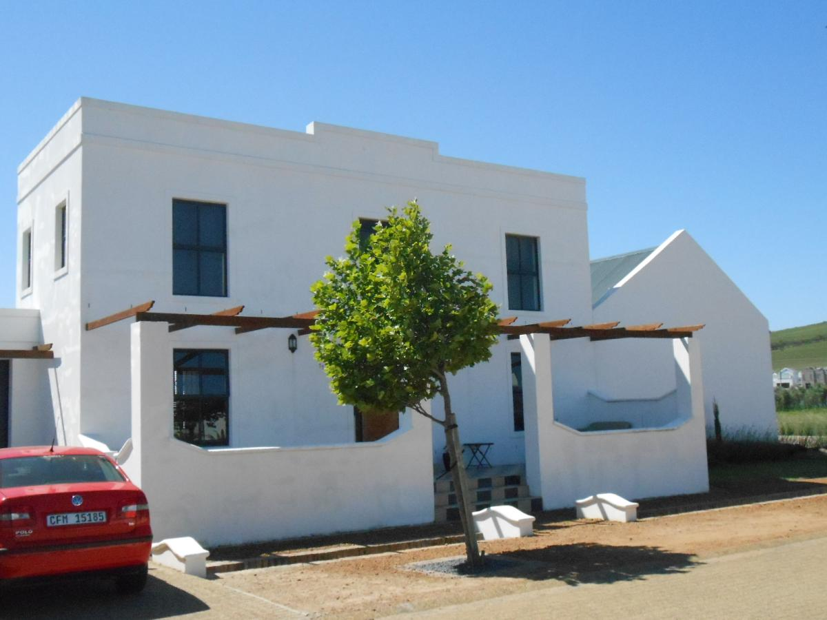 4 Bedroom house to rent in Croydon Olive Estate
