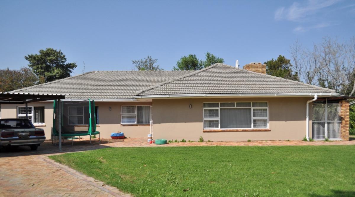4 Bedroom house to rent in Westridge
