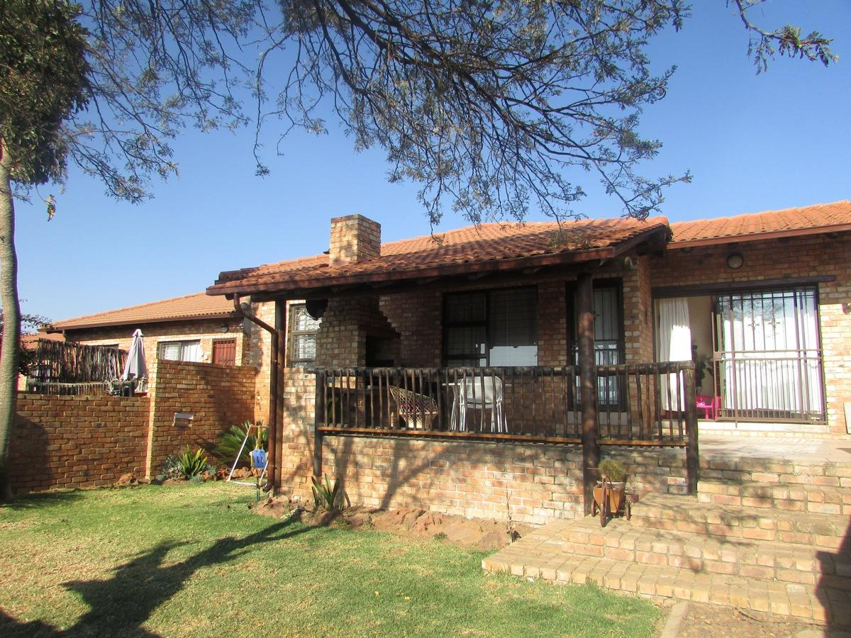 3 Bedroom townhouse - sectional for sale in North Riding