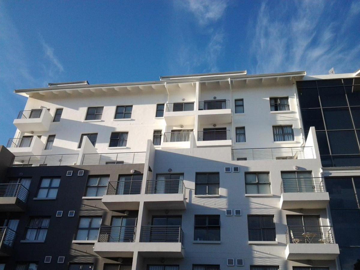 1 Bedroom apartment for sale in Rondebosch