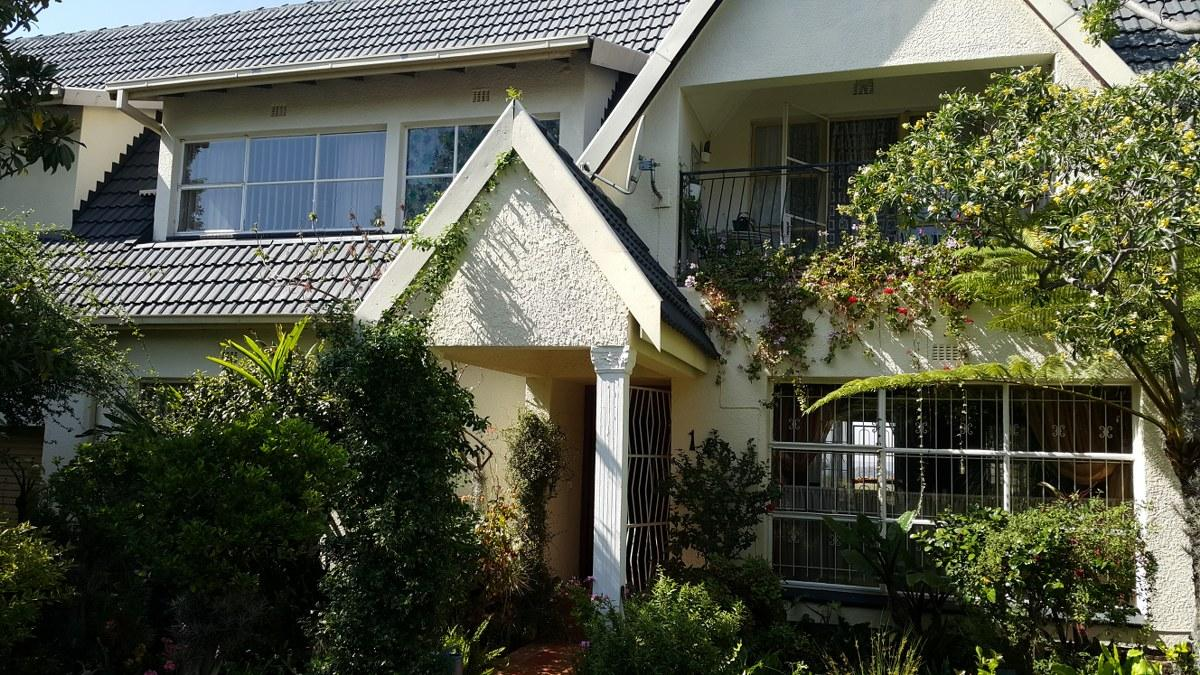5 Bedroom house for sale in Mondeor
