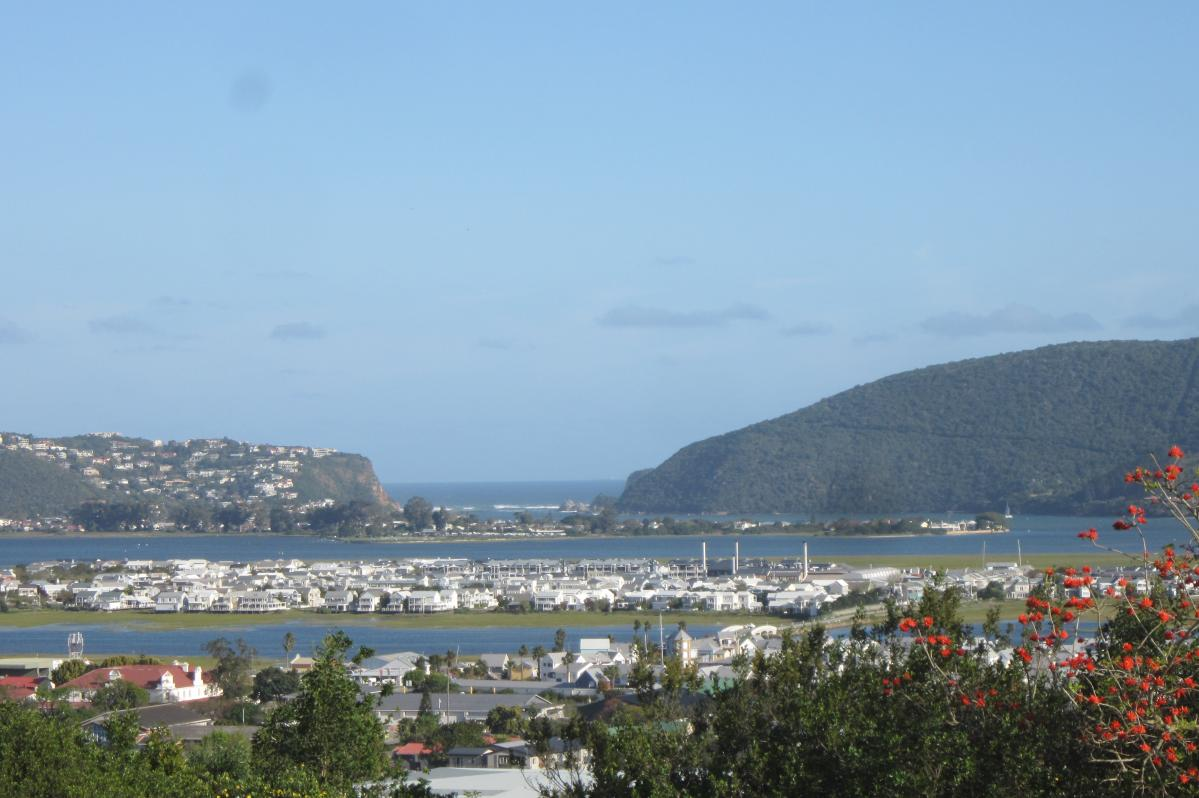 2 Bedroom duplex townhouse - sectional for sale in Knysna Heights