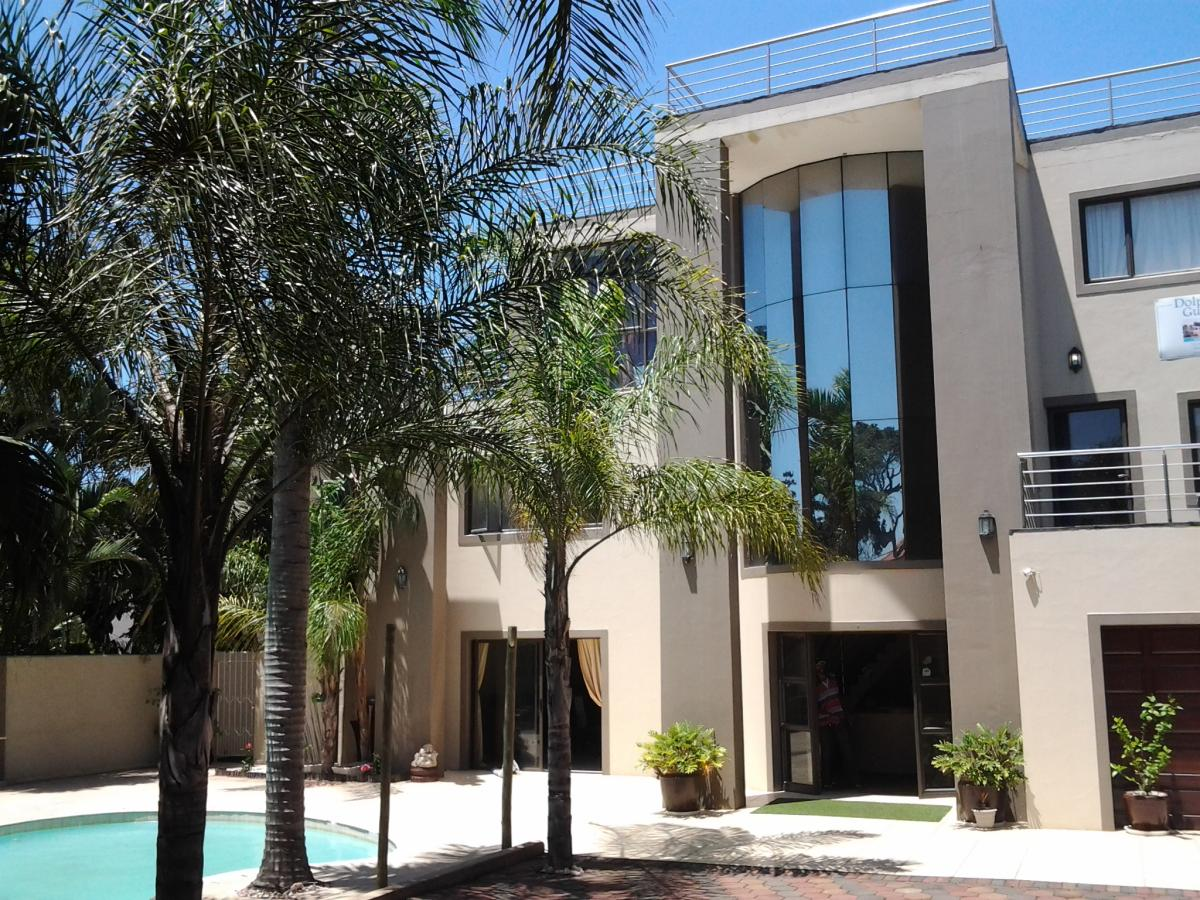 12 Bedroom guest house for sale in Umhlanga
