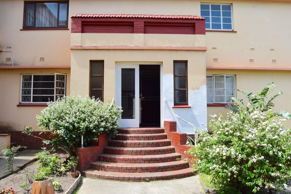 2 Bedroom flat for sale in Southernwood