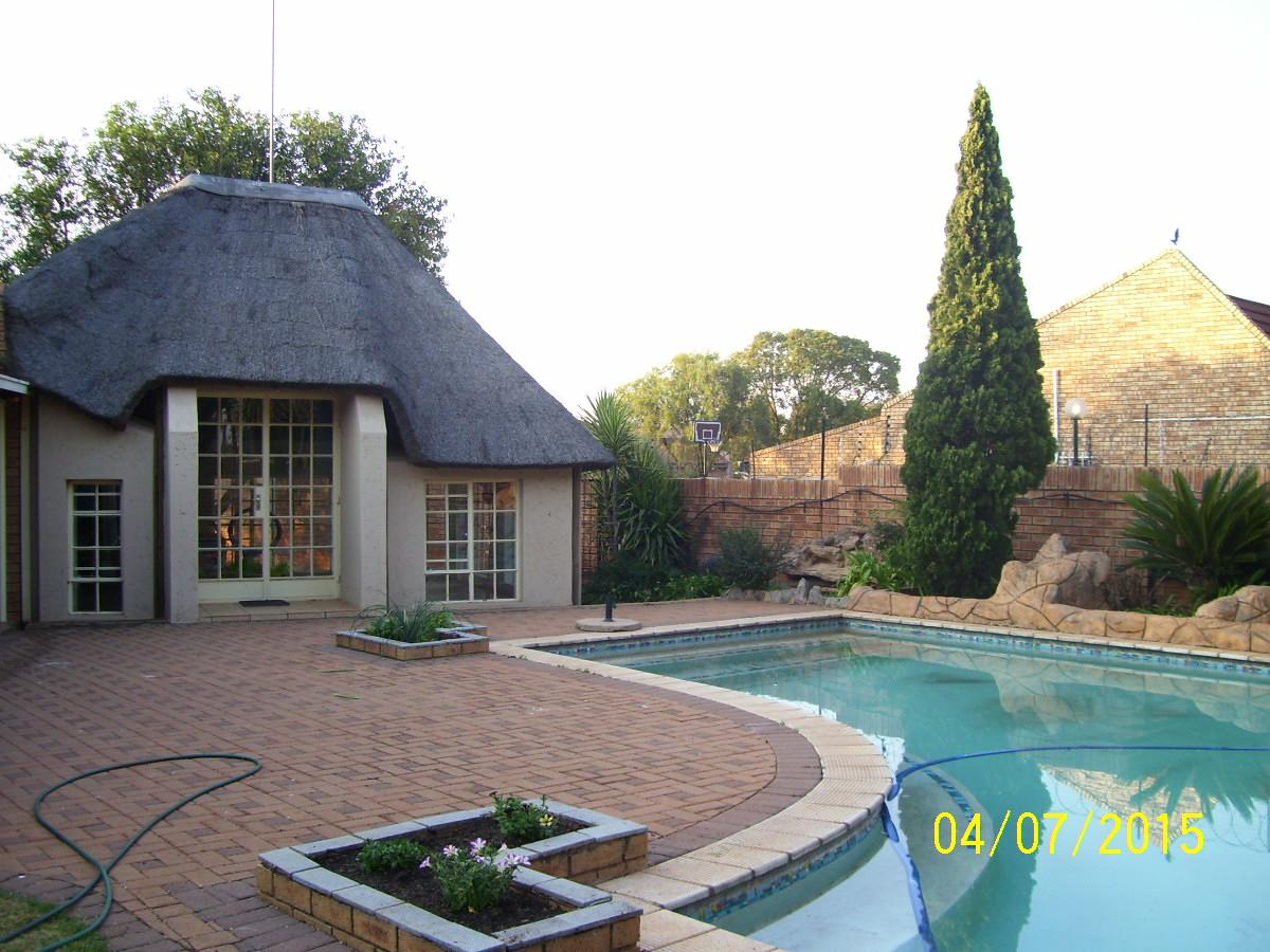 House for sale in Carletonville Ext 9