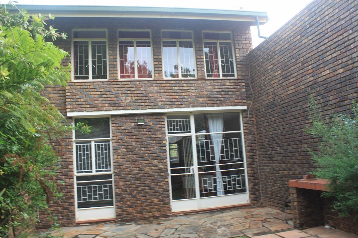 2 Bedroom townhouse - sectional for sale in Lynnwood Ridge