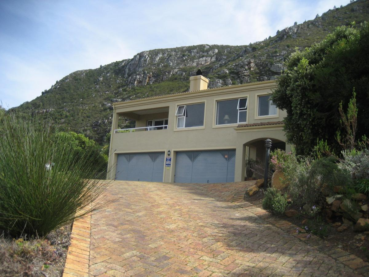 4 Bedroom house for sale in Chanteclair