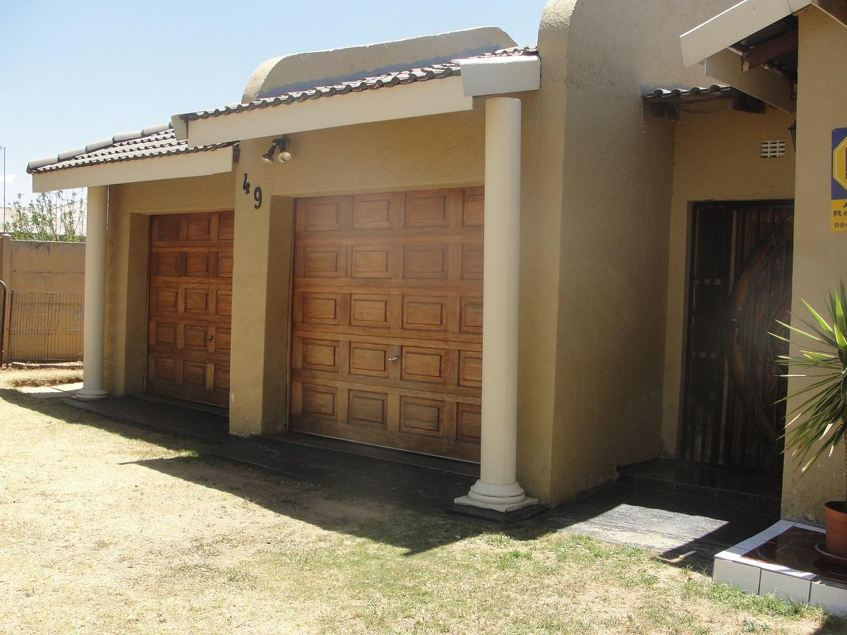 4 Bedroom house for sale in Elandsfontein Rail
