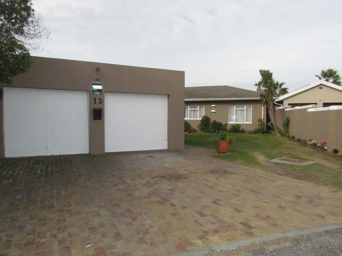 3 Bedroom house for sale in Duynefontein