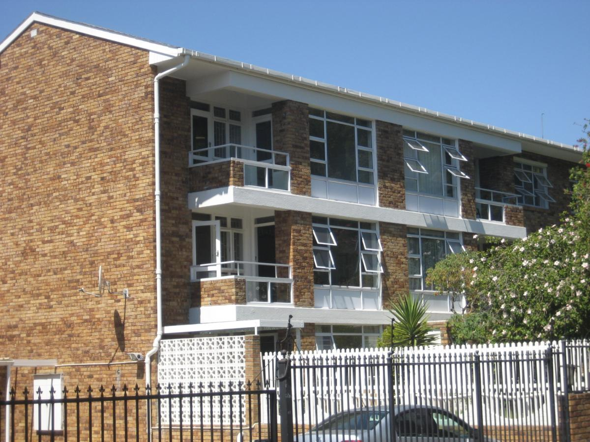 3 Bedroom apartment for sale in Wynberg