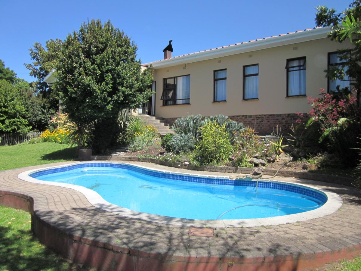 4 Bedroom house for sale in Bergsig