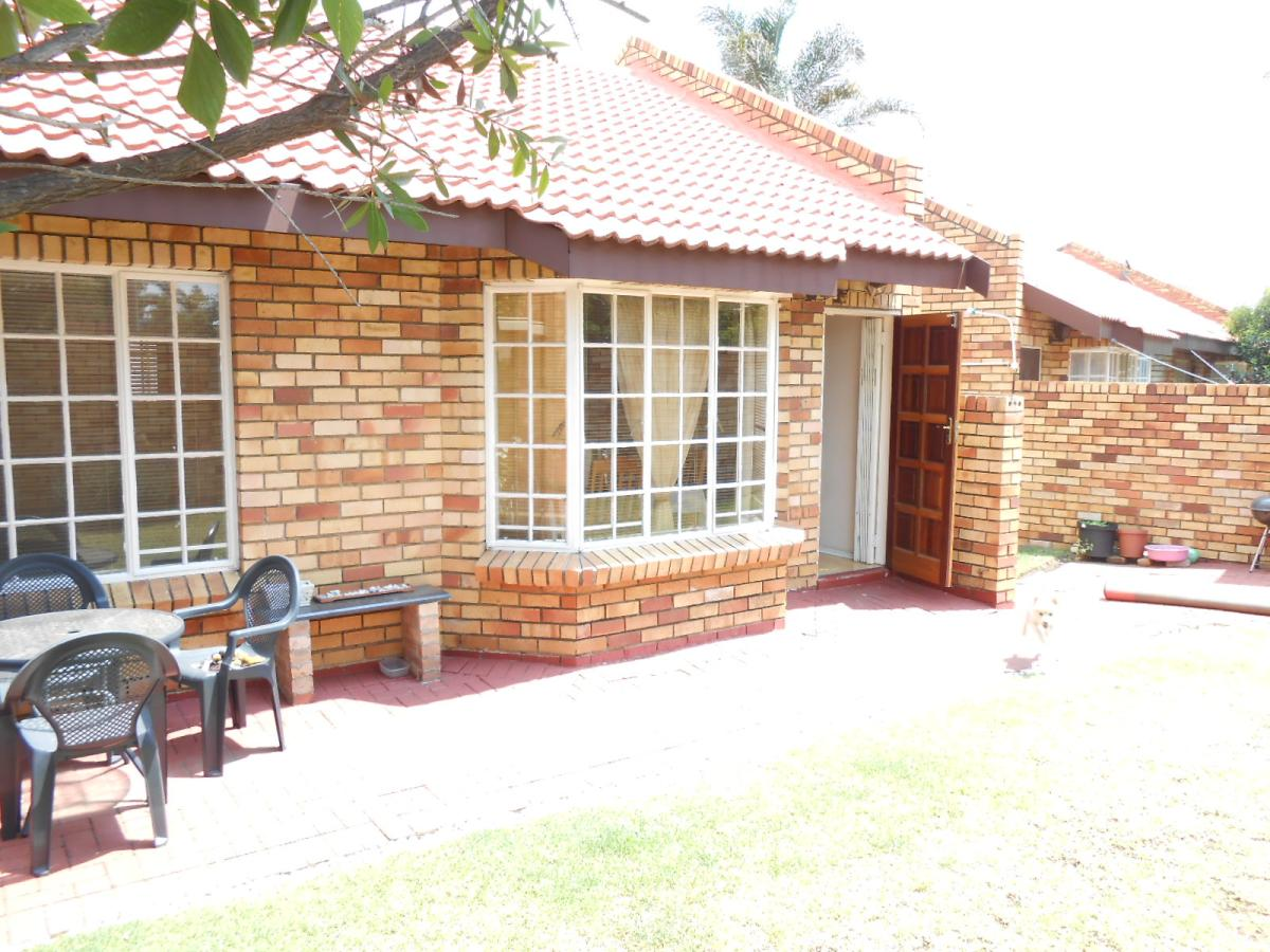 2 Bedroom townhouse - sectional for sale in Croydon