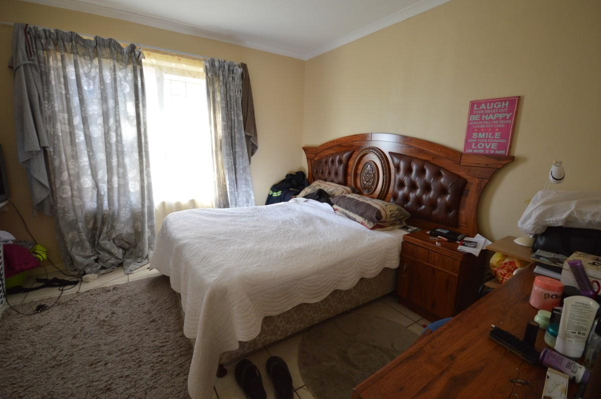2 Bedroom apartment for sale in Gordons Bay