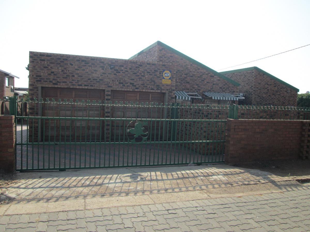 4 Bedroom house for sale in Soshanguve