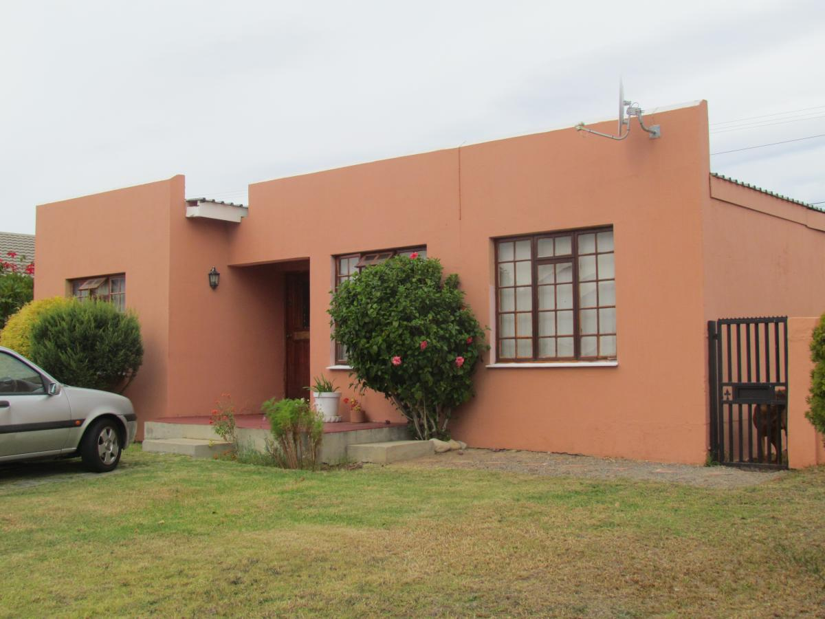 House for sale in Somerset Park