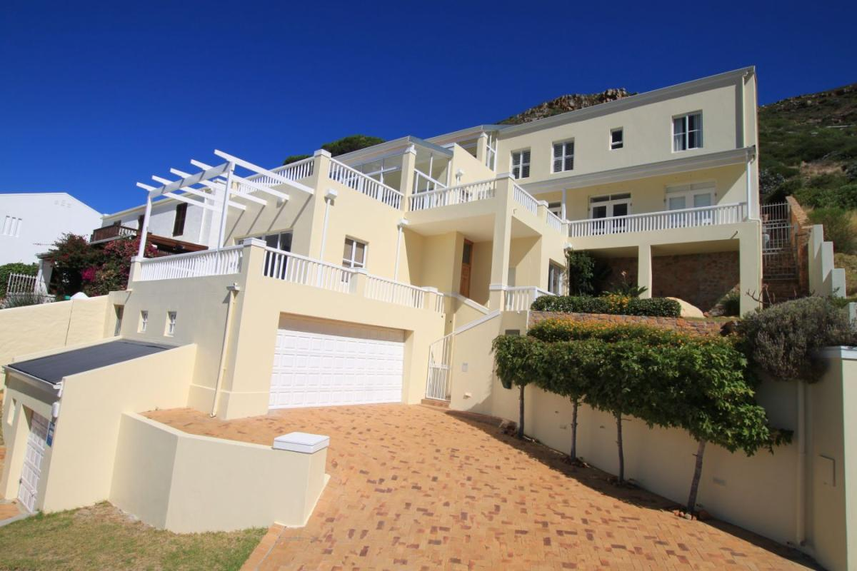 4 Bedroom house for sale in Simons Kloof